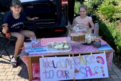 Cake-sale-girls